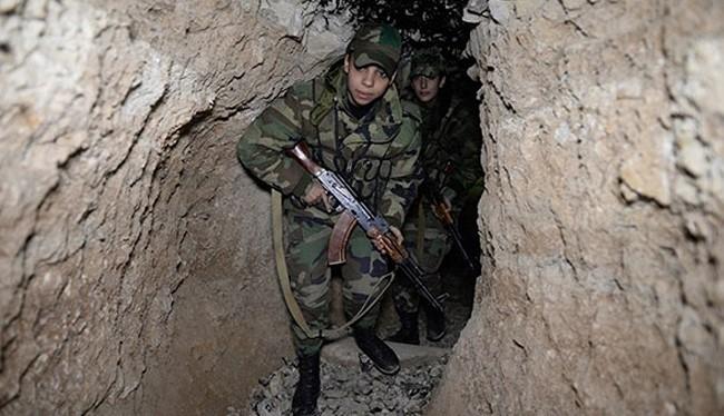 Binh sĩ quân đội Syria chiến đấu trong đường hầm khu vực Đông Ghouta