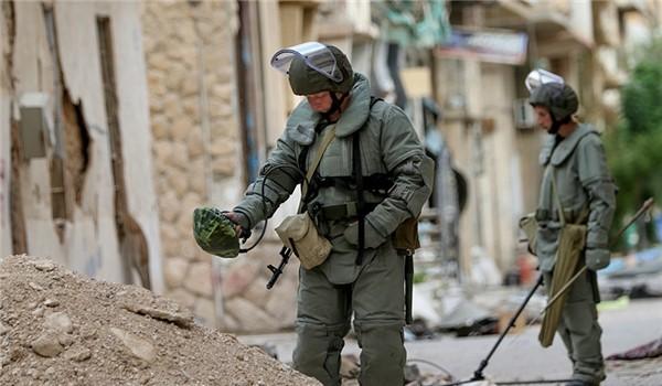 Công binh Nga rà phá bom mìn ở khu các quận phía Đông Aleppo