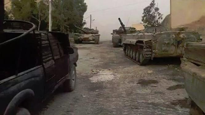 Tăng thiết giáp quân đội Syria chuẩn bị cho cuộc tấn công vao Đông Ghouta