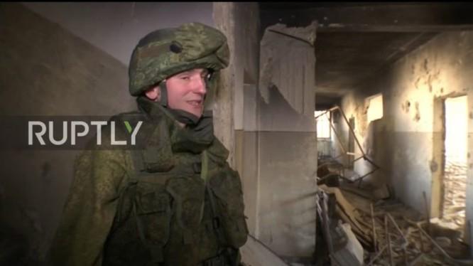 Một lính công binh Nga ở Aleppo