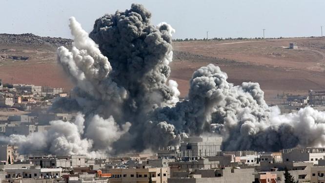 Không quân Syria không kích vùng ngoại ô thành phố Palmyra