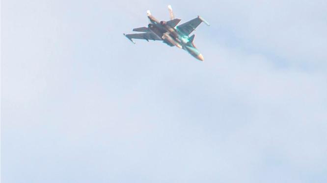 Không quân Nga không kích trên sa mạc tỉnh Homs