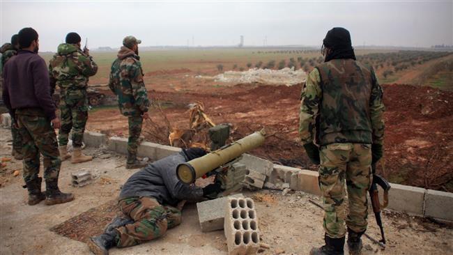 Binh sĩ Syria sử dụng tên lửa chống tăng ATGM trên chiến trường Sweida