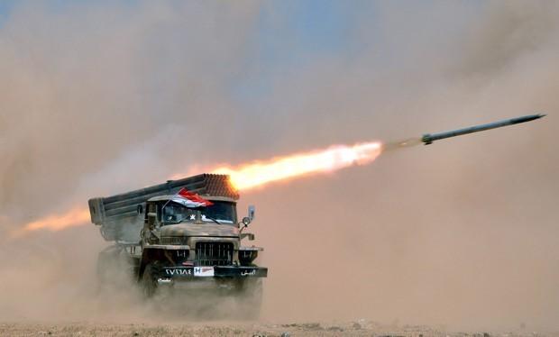 Pháo phản lực quân đội Syria trên chiến trường Palmyra