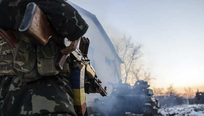 Một binh sĩ Luhansk trên chiến trường tỉnh Homs