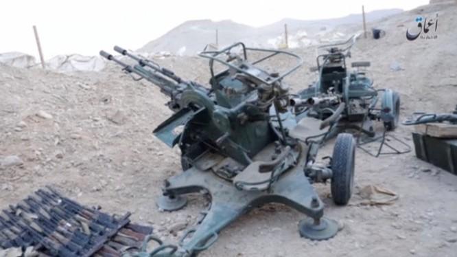 Vũ khí IS thu được trên chiến trường Palmyra của quân đội Syria