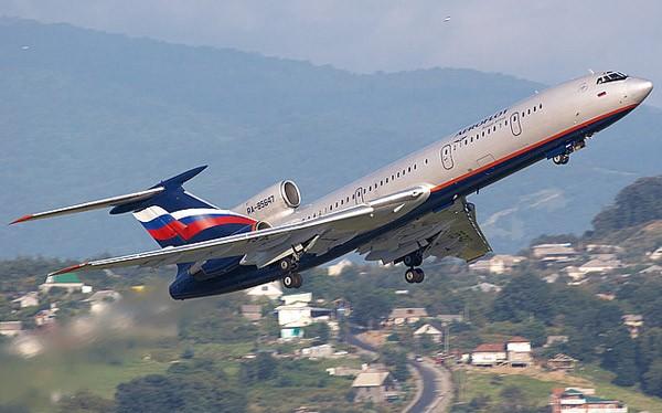 Máy bay vận tải chở khách Tu-154