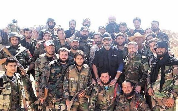 Tướng Issam Zahreddine cùng binh sĩ lực lượng Vệ binh Cộng hòa ở Deir ez Zor