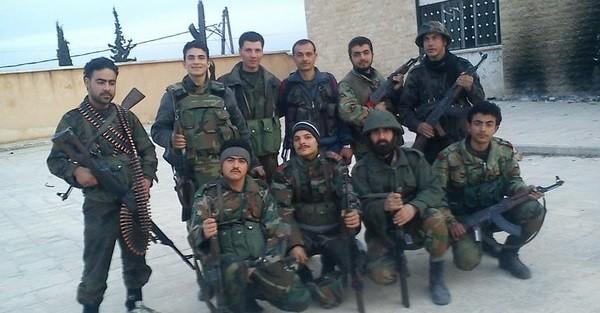 Nhóm binh sĩ quân đội Syria, bảo vệ sân bay Kweires