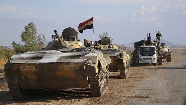 Xe thiết giáp quân đội Syria trên chiến trường ngoại ô Damascus