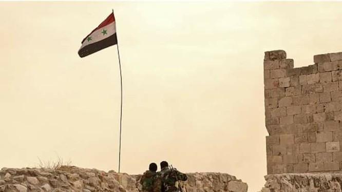 Binh sĩ Syria trên thành cổ Aleppo trong ngày đầu năm 2017