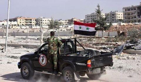 Xe của quân đội Syria cơ động trên chiến trường Aleppo