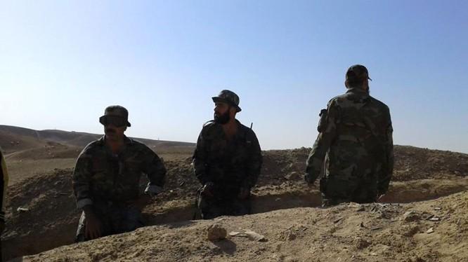 Binh sĩ quân đội Syria ở chiến trường Deir ez Zor