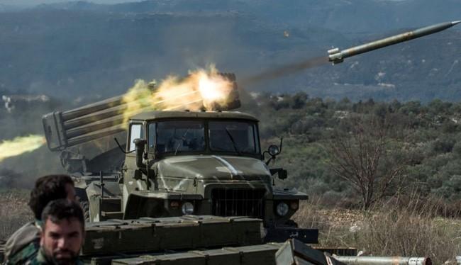 Pháo phản lực BM-21 quân đội Syria tấn công khu vực Wadi Barama