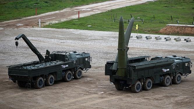 Tổ hợp tên lửa mặt đất Iskander