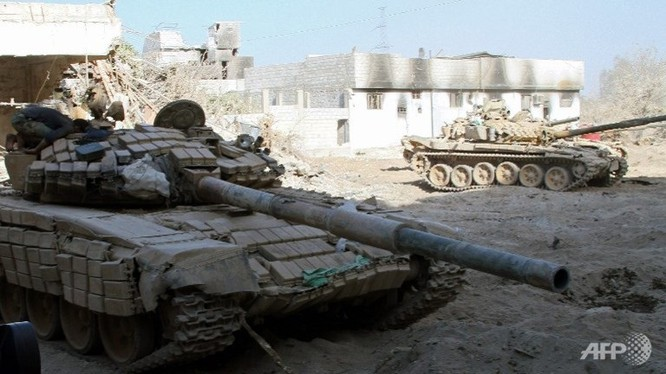 Xe tăng quân đội Syria trên chiến trường Wadi Barada