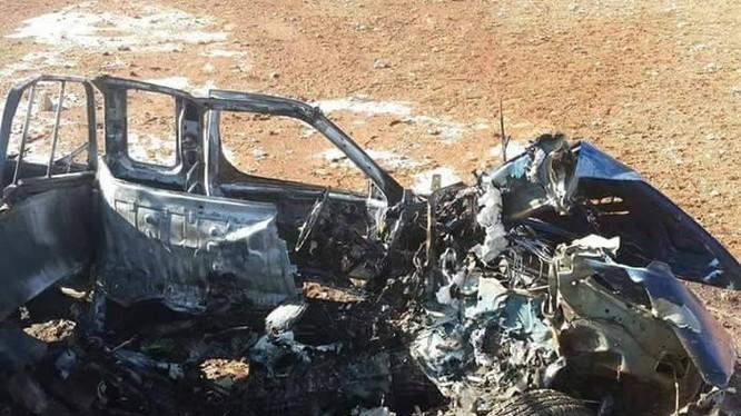 Chiếc xe chở hai thủ lĩnh phiến quân bị thiêu rụi ở Idlib