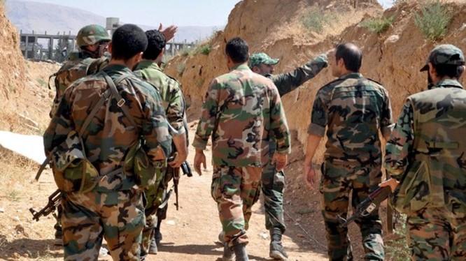 Binh sĩ thuộc sư đoàn cơ giới số 4 quân đội Syria