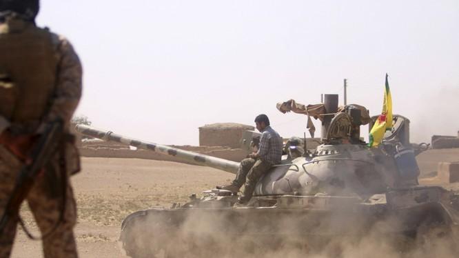 Lực lượng dân quân người Kurd YPG trên chiến trường