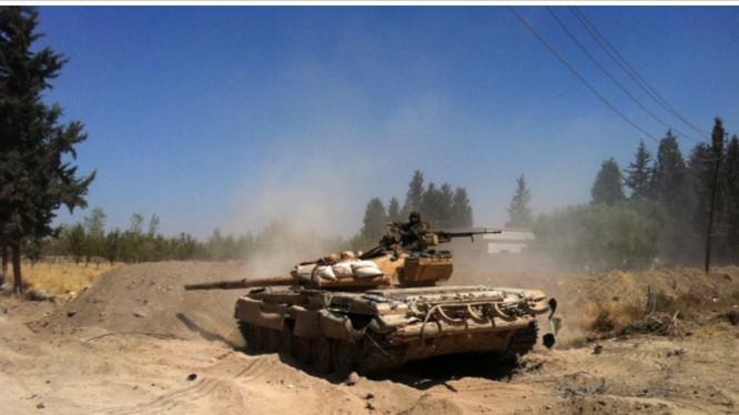 Xe tăng quân đội Syria tấn công ở Đông Ghouta