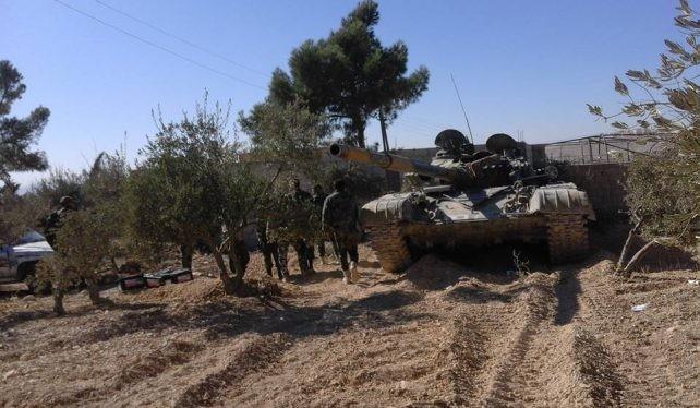Một đơn vị quân đội Syria trên chiến trường ngoại ô Damascus