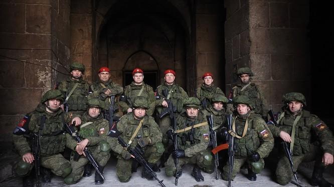 Một nhóm quân cảnh Nga ở Aleppo