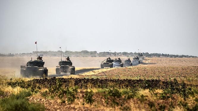 Một đơn vị xe cơ giới của quân đội Thổ Nhĩ Kỳ ở Aleppo