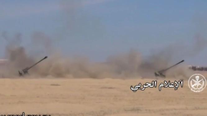 Pháo binh quân đội Syria gầm thét trên chiến trường sa mạc tỉnh Homs