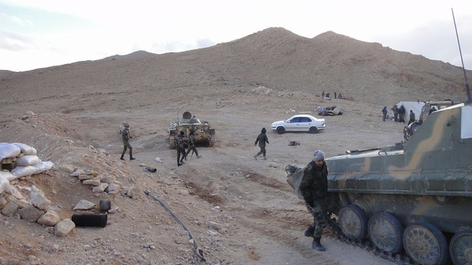 Các đơn vị quân đội Syria trên chiến trường Qalamount, ngoại ô tỉnh Damascus