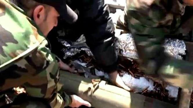 Những tên lửa chống tăng có điều khiển TOW bị thu giữ ở tỉnh Daraa