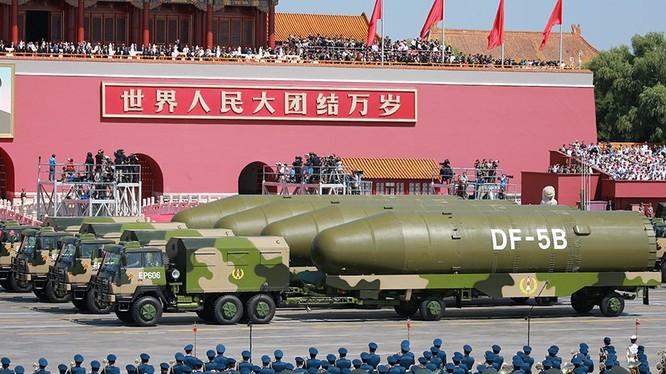 Tên lửa Đông Phong - 5 của Trung Quốc trong cuộc diễu binh (ảnh minh họa)