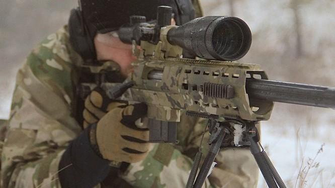 Một lính bắn tỉa Nga trên chiến trường