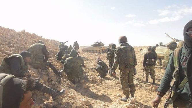 Binh sĩ Lá chắn Qalamoun trên chiến trường