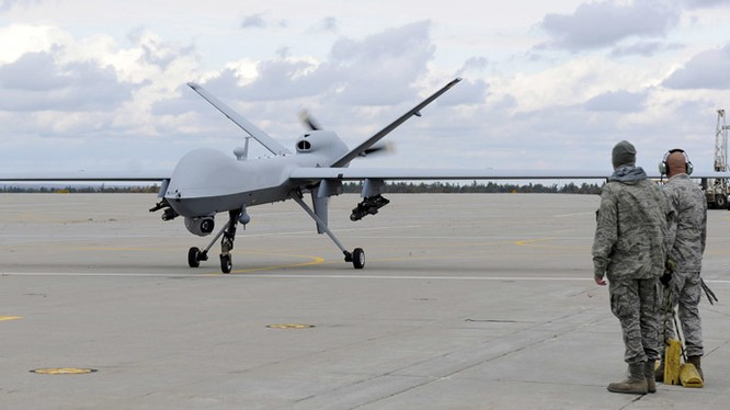 Máy bay không người lái tấn công MQ Predator