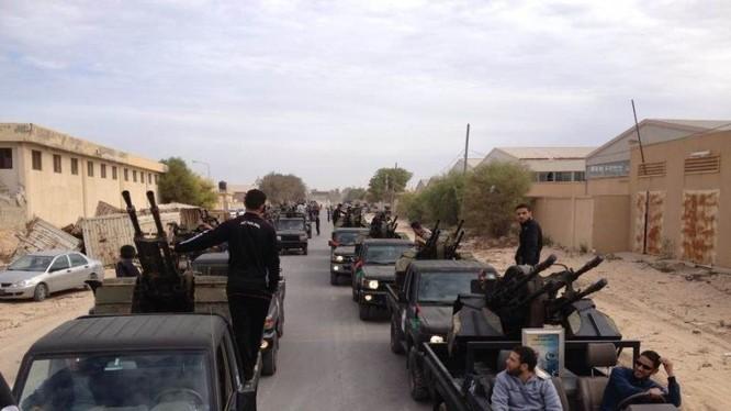 Nhóm chiến binh khủng bố IS trên chiến trường Palmyra