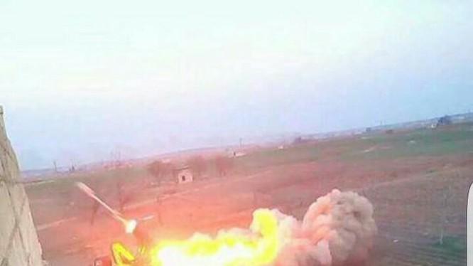 Lực lượng pháo binh Tiger tập kích dọn đường thị trấn Tadef