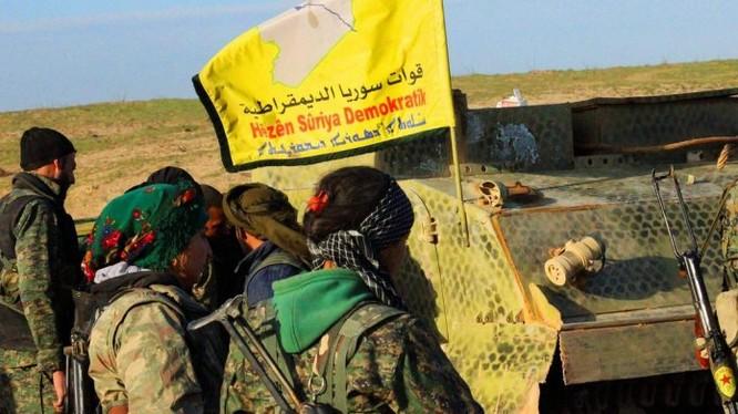 Lực lượng Dân chủ Syria SDF trên chiến trưởng tỉnh Raqqa