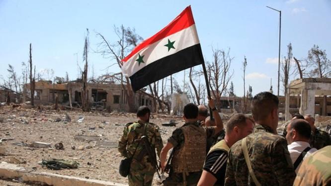 Binh sĩ quân đội Syria trên chiến trường phía đông Aleppo