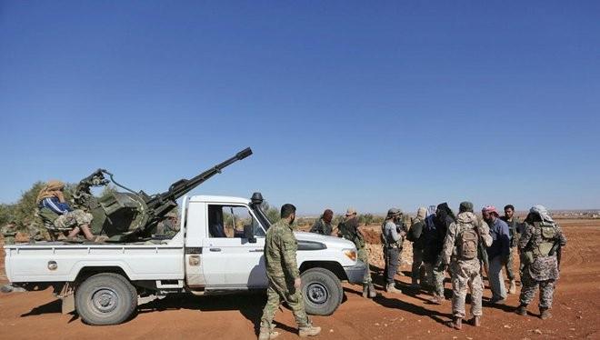 Nhóm các tay súng phiến quân FSA trên chiến trường Al-Bab