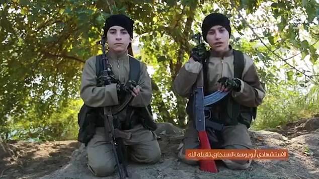 Hai chiến binh IS tuổi teen trước giờ đánh bom tự sát ở Iraq