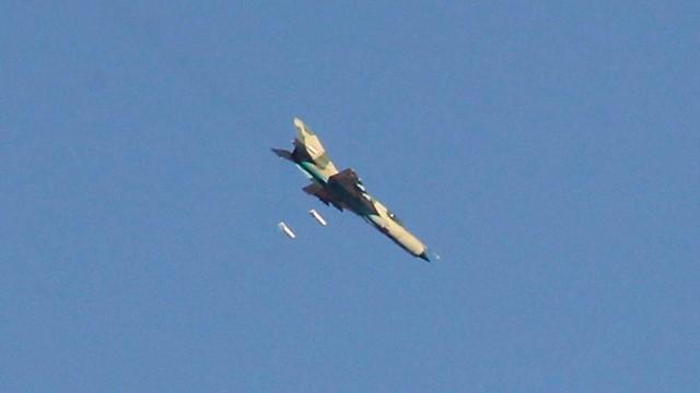 Máy bay chiến đấu không quân Syria không kích (ảnh minh họa)