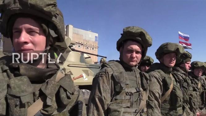 Binh sĩ công binh Nga hoàn thành nhiệm vụ ở Aleppo