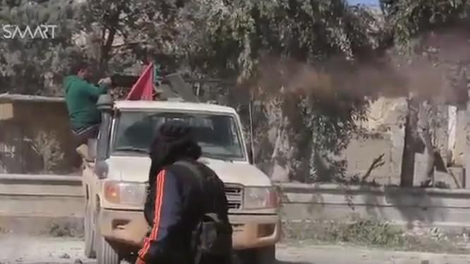 Các chiến binh Hồi giáo cực đoan FSA tiến vào thành phố Al-Bab