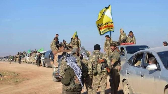 Lực lượng dân quân người Kurd trên hướng tấn công về Raqqa