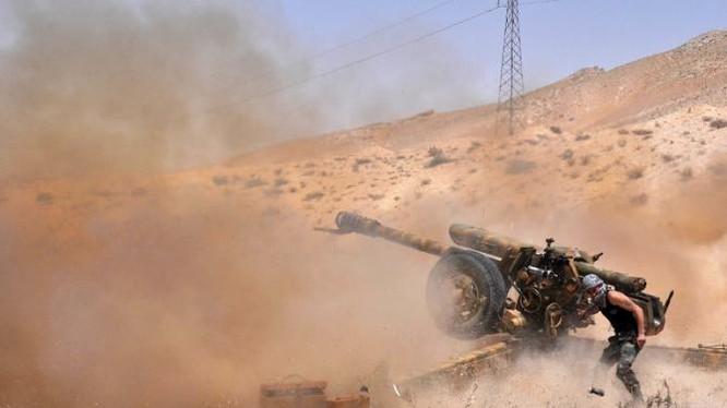 Pháo binh quân đội Syria tập kích hỏa lực trên chiến trường Palmyra