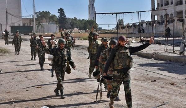 Binh sĩ quân đội Syria trên chiến trường phía đông tỉnh Hama