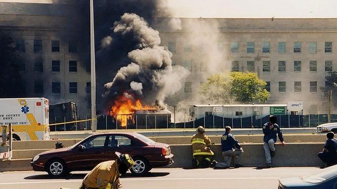 Chùm ảnh của FBI: Lầu Năm Góc tan hoang sau vụ khủng bố