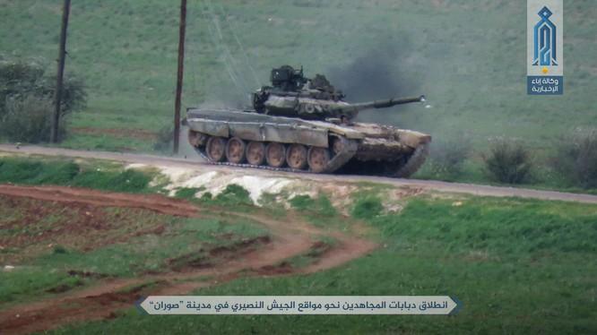Liên minh phiến quân Al-Qaeda Syria tấn công trên vùng nông thôn miền bắc Syria bằng xe tăng T-90 chiếm được của quân đội Syria