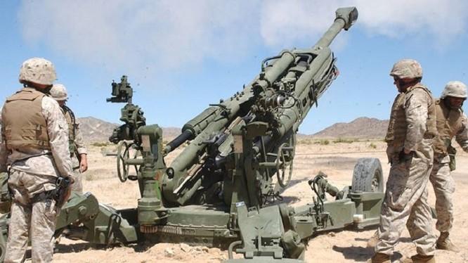 Lính Mỹ pháo kích yểm hộ lực lượng dân quân người Kurd ở Syria