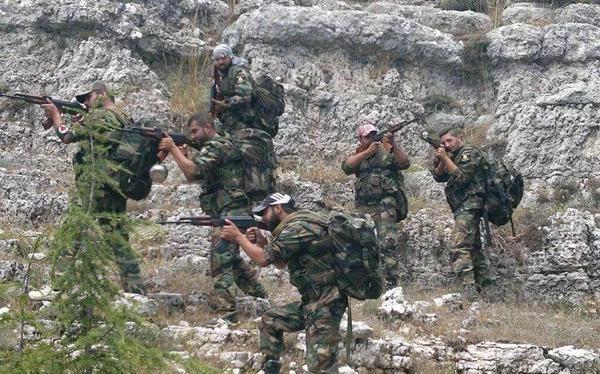 Binh sĩ quân đội Syria trên chiến trường Latakia
